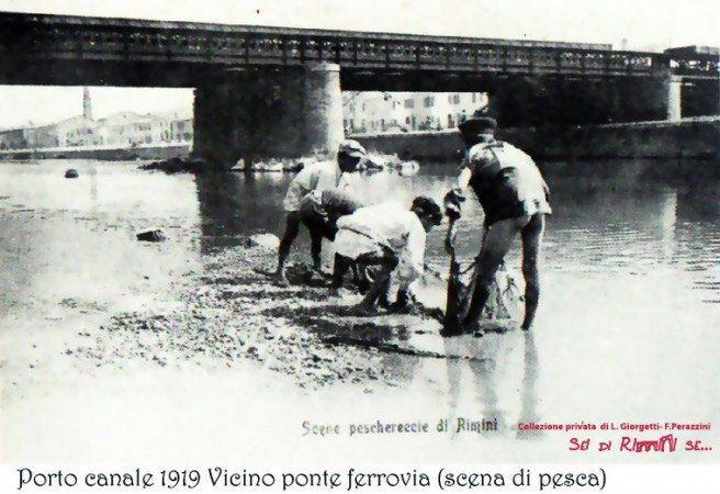 pescare vicino al ponte ferroviario nel 1919