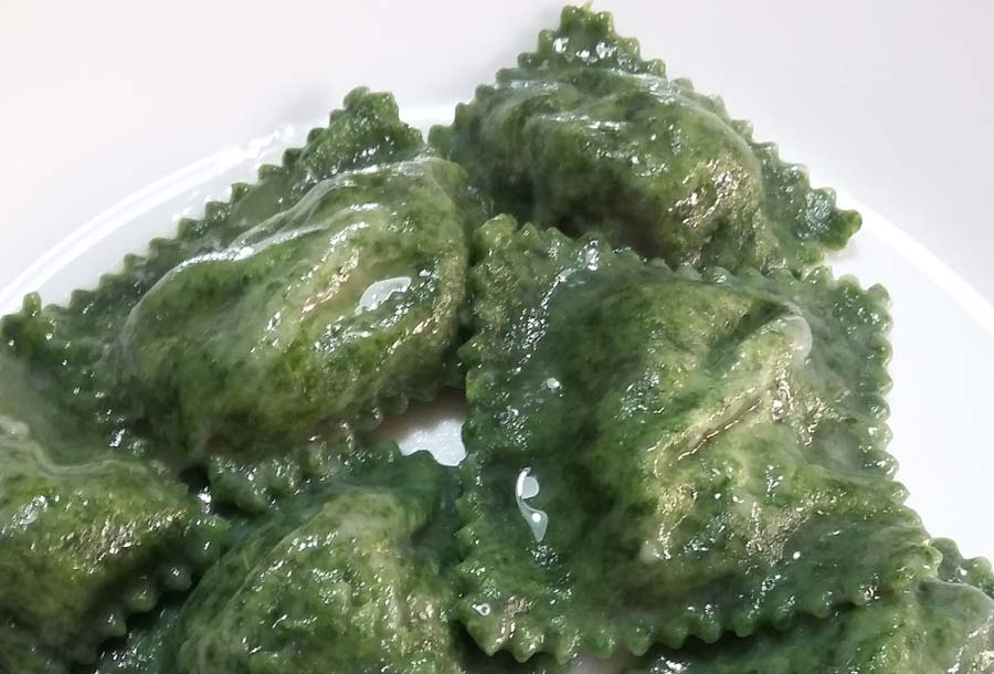 Ravioli verdi di ricotta e spinaci