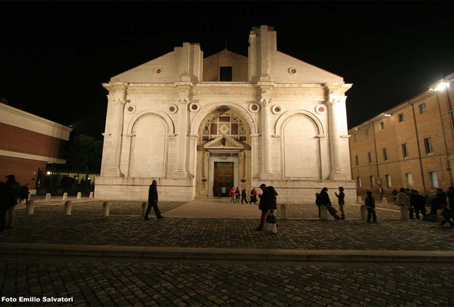 Cosa fare se il tempo non permette di andare in moto a Rimini - Tempio Malatestiano