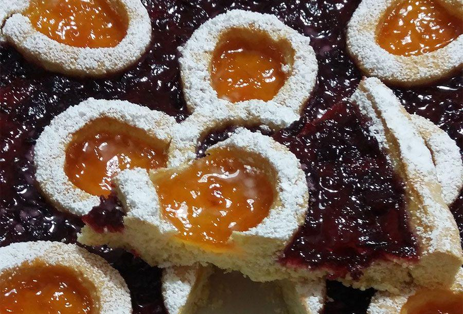 Crostata con marmellata di Albicocche e Ciliegie