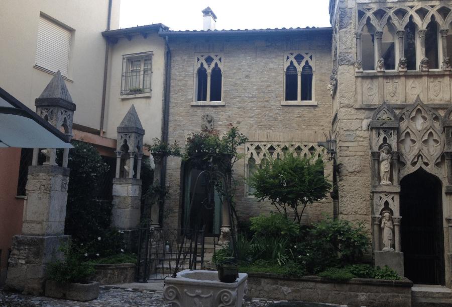 Palazzo Guidi-Petrangolini