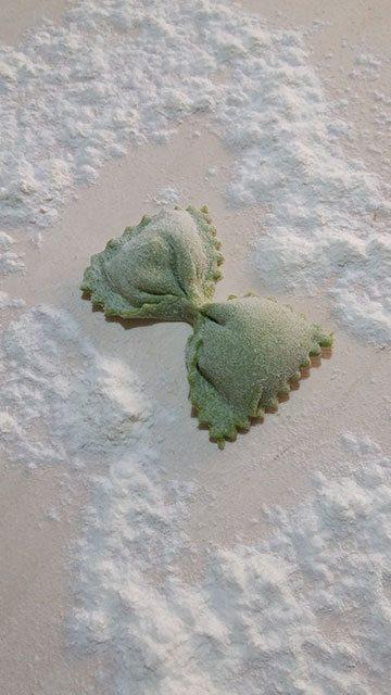 farfalle-ripiene-al-formaggio-di-fossa-farfalla
