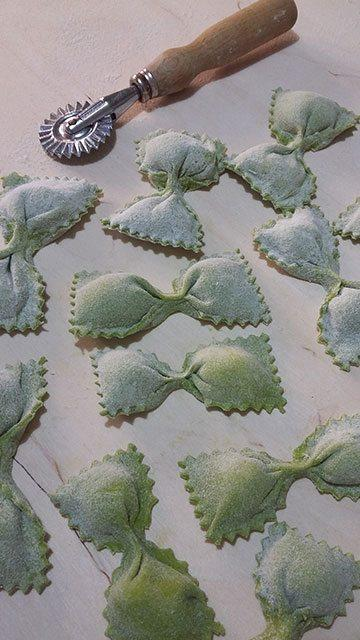 farfalle-ripiene-al-formaggio-di-fossa-preparazione