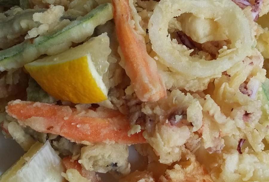 Fritto misto di pesce con verdure (ricetta rivisitata)