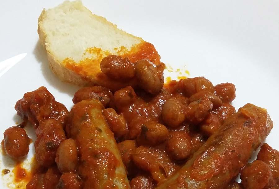 Salsiccia con fagioli in umido (tex mex romagnolo)
