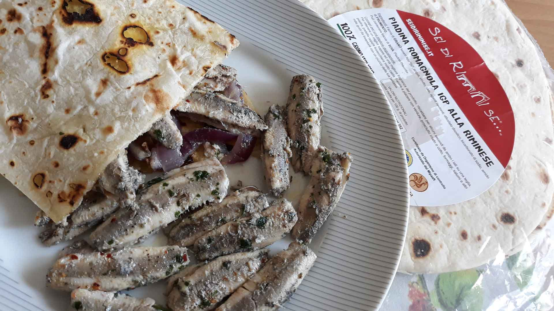Piadina con alici marinate a caldo
