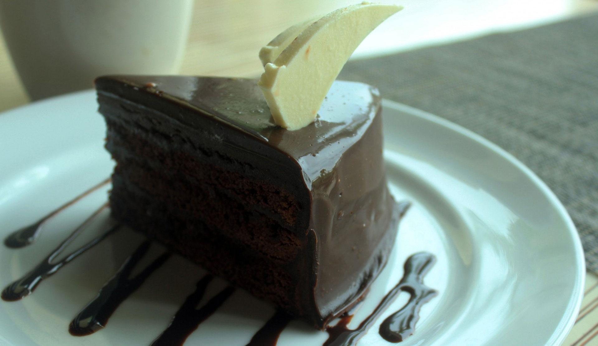 Torta al cioccolato nel frullatore