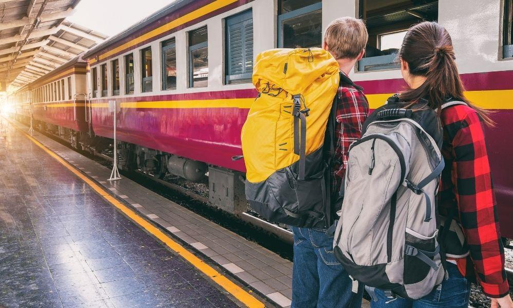 Al mare in treno. Vieni in Romagna e viaggia gratis
